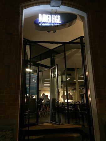 blauer engel ludwigsburg restaurant avis num ro de t l phone photos tripadvisor. Black Bedroom Furniture Sets. Home Design Ideas