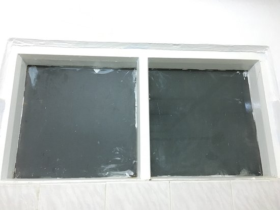 Pindaya, Birma: facade repas decor magnifiquevoyez la chambre surclassée G LUXE: ni frigo ni clim ni tv. pour pe
