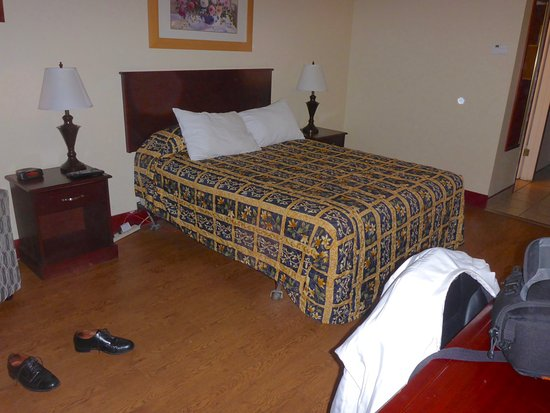 Causeway Bay Hotel Sparwood: double bed