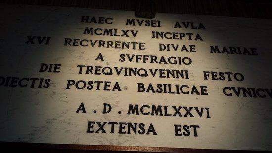 Grotte di Castro, Włochy: Basilica Santuario di Maria SS. del Suffragio - foto di Antonio Fundarò