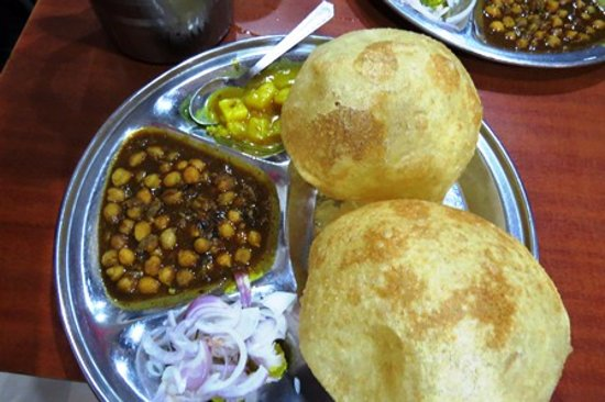 how to make punjabi chole puri