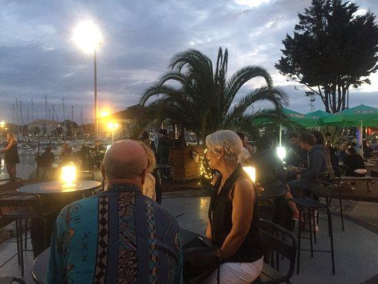 El Bodegon : Face au port de capbreton, de très belles soirées avec une equipe accueillante