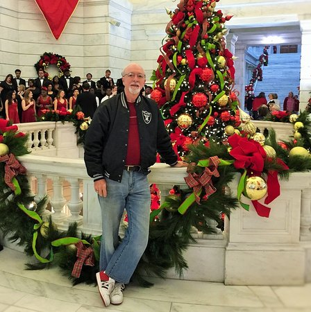 Arkansas State Capitol: You can see a local HS Choir performing in the background.