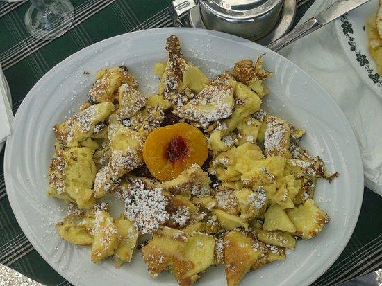 Campodazzo, Italien: Frittata con marmellata