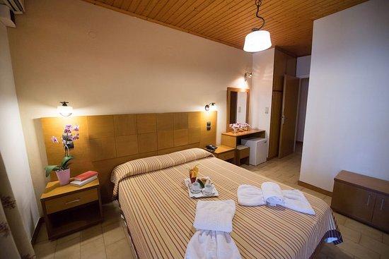 Eva Beach Hotel : Eva Beach Room