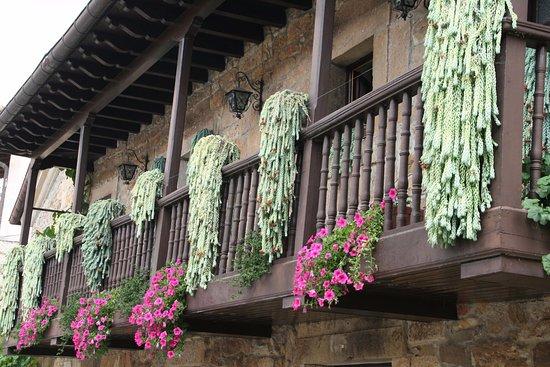 Son Muchos Los Balcones Ornamentados Con Flores Y Plantas - Fotos-de-balcones-con-flores