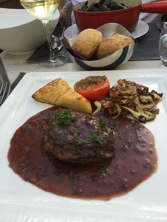 Sable-sur-Sarthe, Francia: Beef in red wine