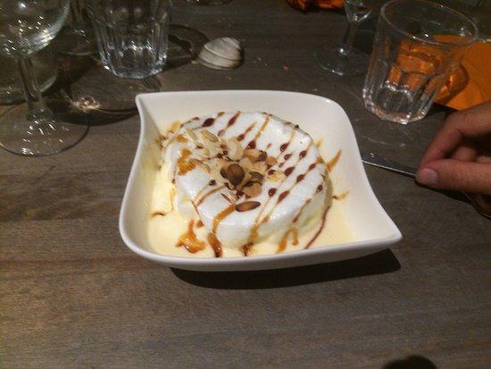 Lion-sur-mer, Франция: La fameuse pizza l'infernale puis dame blanche et deux autres desserts