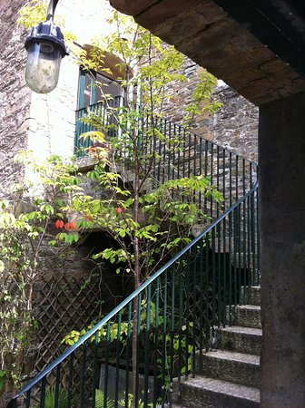 Saltash, UK: Steps up the the gallery.