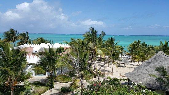 Jacaranda Beach Resort: 20160816_142621_large.jpg
