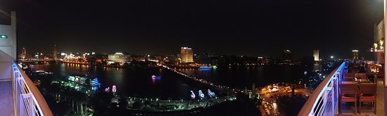 Novotel Cairo El Borg: Overlooking the Nile from Cafe Frais rooftop of the Novotel El Borg
