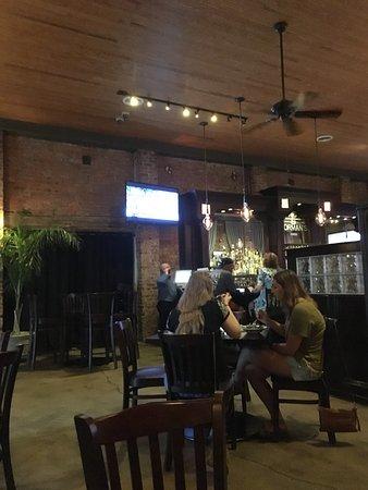 Senoia, GA: Typical upscale restaurant decor at Nic & Norman's