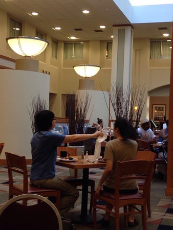 Embassy Suites by Hilton Boston - at Logan Airport: photo0.jpg