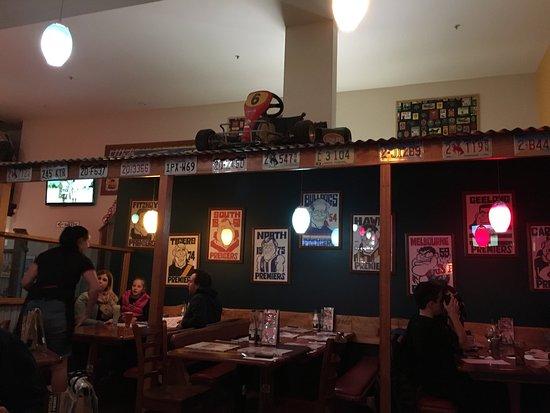 Wantirna, Australien: Desert and inside cafe