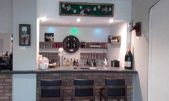 Le Rouret, France : le bar