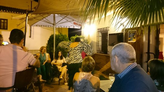 Comares, Spanien: Flamenco at Table Mountain restaurant
