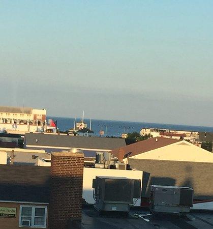 Sandcastle Motel: Balcony view