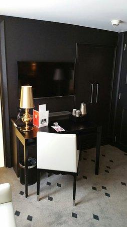 Hotel Beauchamps : 20160716_145858_large.jpg