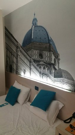 B&B Hotel Firenze City Center: 20160813_192702_large.jpg
