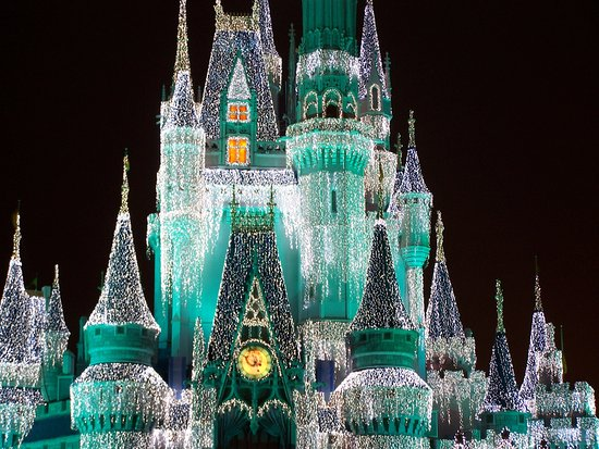 Cinderella Castle Christmas.Christmas Time Picture Of Cinderella Castle Orlando