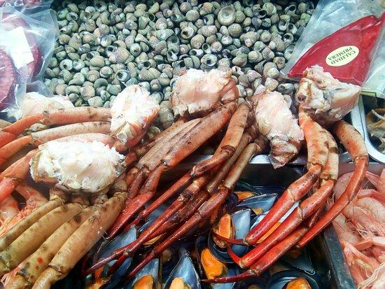 Castilleja de la Cuesta, Spania: Buen marisco, variedad de aliños, ,variedad de pescao frito, y tapas - guisos caseros