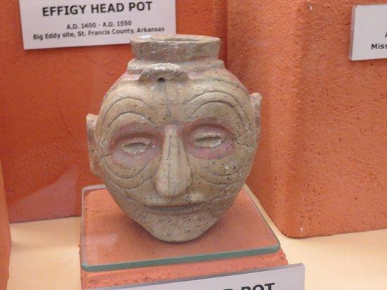 Bentonville, AR: effigy head pot
