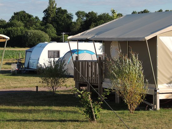 Camping Loire et Chateaux : Bungalow toilé