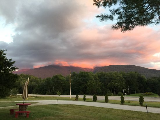 Mount Jefferson View: photo0.jpg