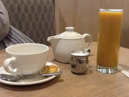 Edenvale, África do Sul: Tea and mango juice