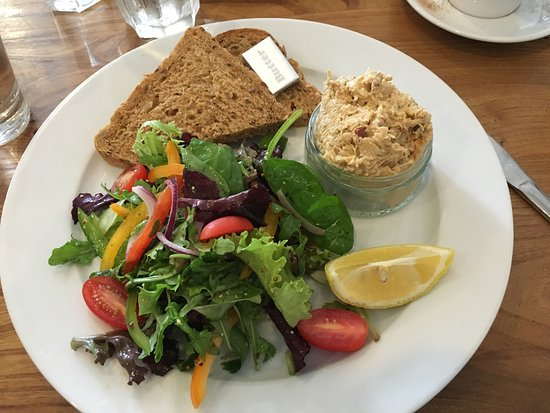 Beer, UK: Lunch yesterday with two girlfriends. Crab salad was fabulous.
