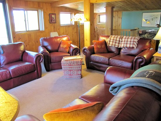 Ely, MN: Lodge Lounge