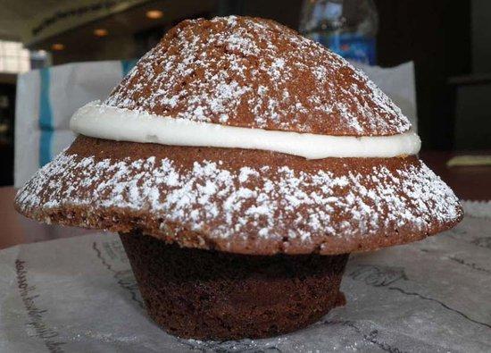 Wakefield, ماساتشوستس: Bran Rasin cream cheese muffin