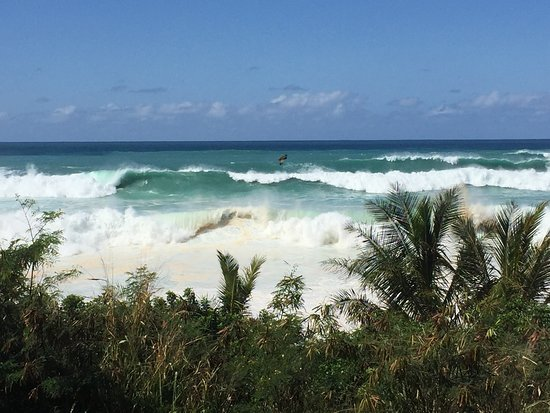 """Waimea Bay: Awesome and scary waves right before the """"Eddie"""""""