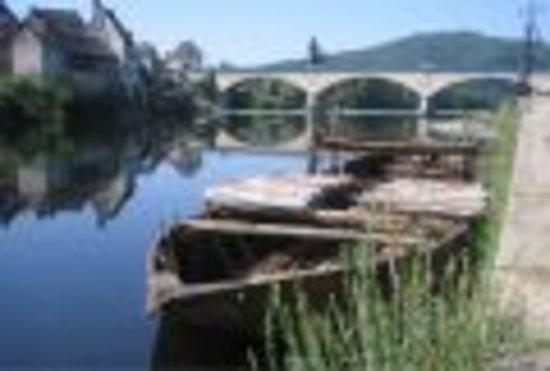 Argentat, Francia: la gabare sur la Dordogne