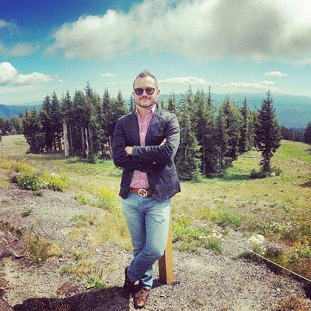 Government Camp, OR : Passeio no verão sem esqui: se quiser esquiar reserve antes equipamentos e chegue cedo. Loja fec