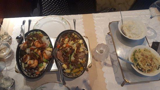 Bilthoven, The Netherlands: Mooie schone tafel en rustige placering van de gerechten