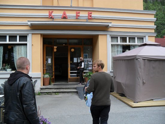 Kinokafeen AS : Ingången till Kinokafeet.
