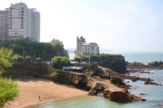 Port vieux de biarritz picture of port vieux beach - Hotel de la plage biarritz 3 esplanade du port vieux ...