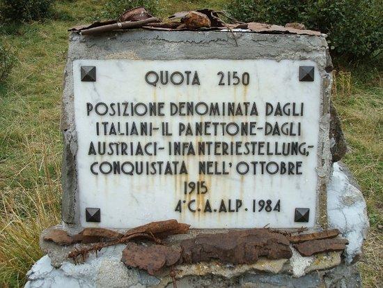 Livinallongo del Col di Lana, Italie : Salendo al Col di Lana