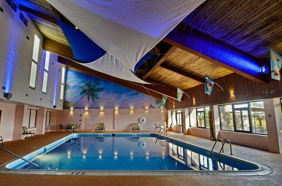 Aberdeen, Maryland: Indoor Heated Salt Water Pool