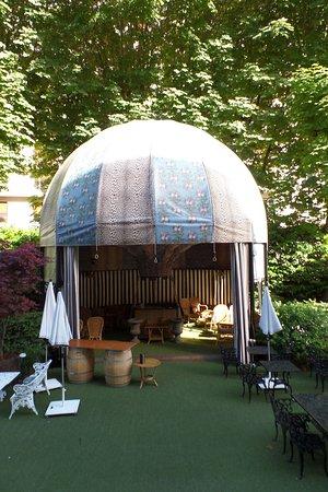 The Bar at the Saint James Paris: jardin