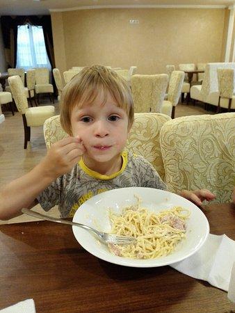 Гранд-Кафе: Спагетти карбонаре - это очень вкусно!