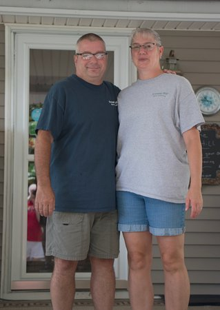 Brownsville, KY: Your hosts - Richard and Stephanie