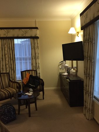 Hadlow Manor Hotel: Room 302