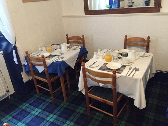 Glenroy Guest House: Comedor para el desayuno