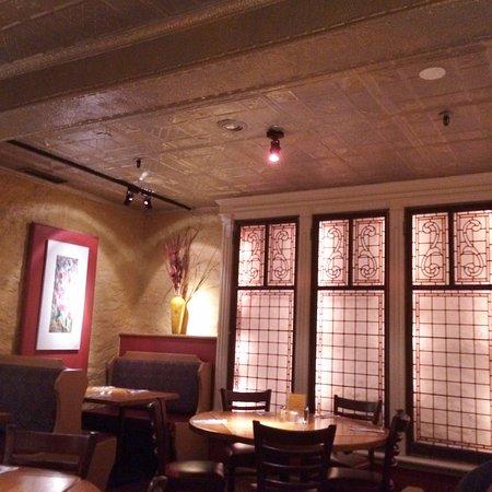 Chestnut Grill & Sidewalk Cafe: Lovely setting