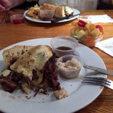 Chestnut Grill & Sidewalk Cafe: Yum!