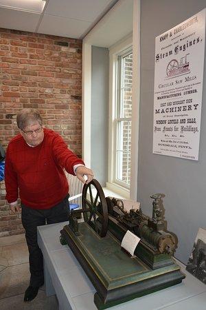 White Mills, PA: Kurt explains the steam engine