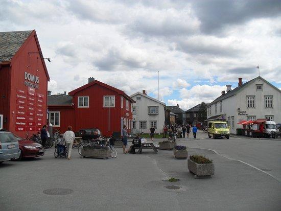 Roros, Noorwegen: Foto vid parkeringen till Domus - Röros