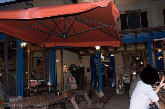 Casorate Sempione, Italia: Scorcio dell' entrata alla sala interna